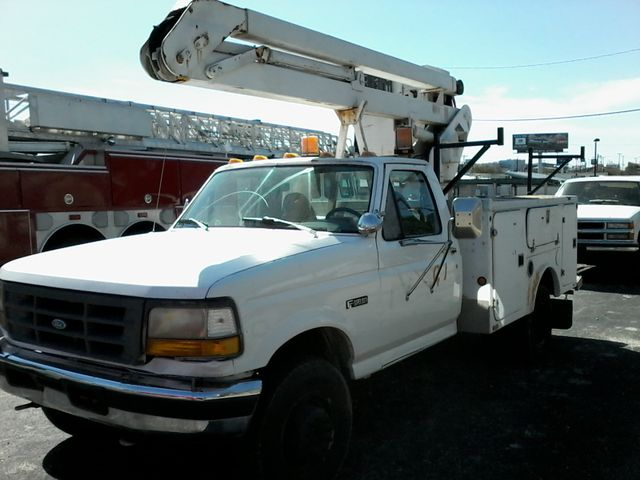 1997 Ford F-Super Duty Chassis Cab bucket Lift Truck San Antonio, Texas 2