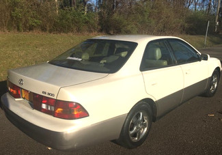 1997 Lexus-3 Owner!! 69k!! Low Low Miles!! ES 300-AUTO!! CARMARTSOUTH.COM  BUY HERE PAY HERE!! Knoxville, Tennessee 5