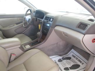 1997 Lexus ES 300 Luxury Sport Sdn Gardena, California 8