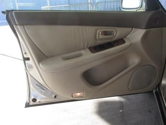 1997 Lexus ES 300 Luxury Sport Sdn Gardena, California 9