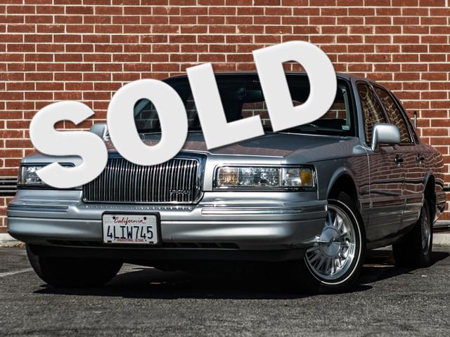 1997 Lincoln Town Car Signature Burbank, CA 0