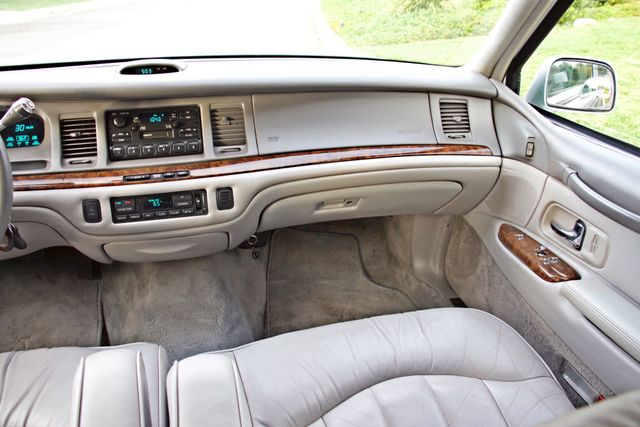 1997 Lincoln TOWN CAR EXECUTIVE ONLY 67K ORIGINAL MLS 1-OWNER LEATHER CRUISE CONTROL Woodland Hills, CA 19