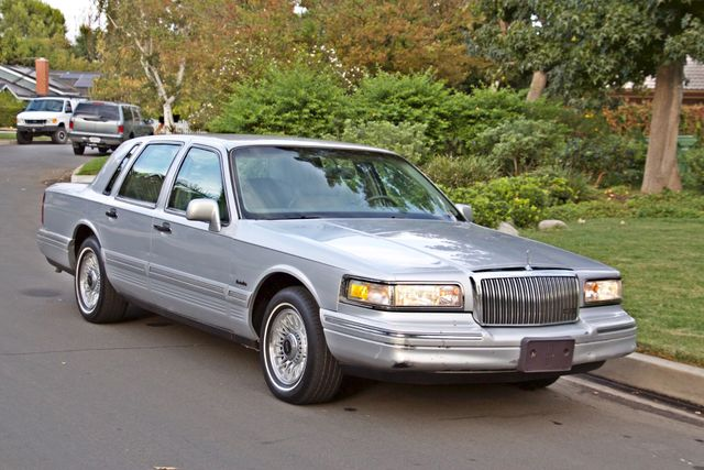1997 Lincoln TOWN CAR EXECUTIVE ONLY 67K ORIGINAL MLS 1-OWNER LEATHER CRUISE CONTROL Woodland Hills, CA 27