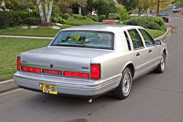 1997 Lincoln TOWN CAR EXECUTIVE ONLY 67K ORIGINAL MLS 1-OWNER LEATHER CRUISE CONTROL Woodland Hills, CA 6