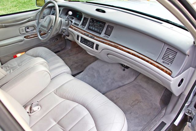 1997 Lincoln TOWN CAR EXECUTIVE ONLY 67K ORIGINAL MLS 1-OWNER LEATHER CRUISE CONTROL Woodland Hills, CA 22