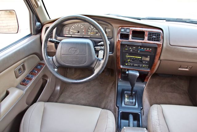 1997 Toyota 4RUNNER LIMITED SUNROOF AUTOMATIC LEATHER Woodland Hills, CA 18