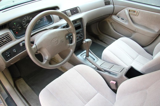 1997 Toyota Camry LE Santa Clarita, CA 8