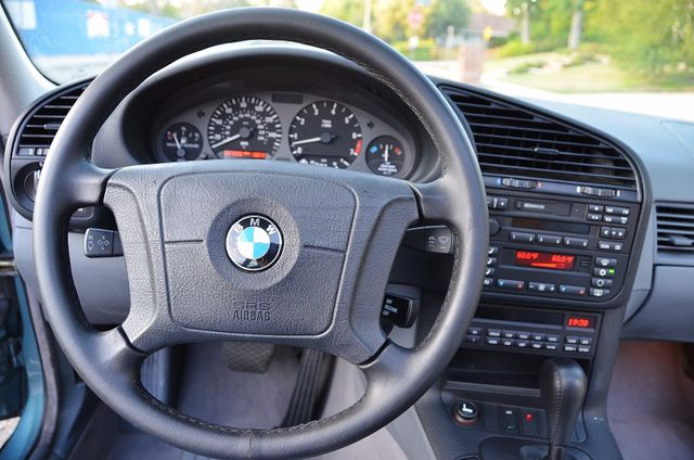1998 BMW 323i 323isA - AUTO - ONLY 87K MILES Reseda, CA 8