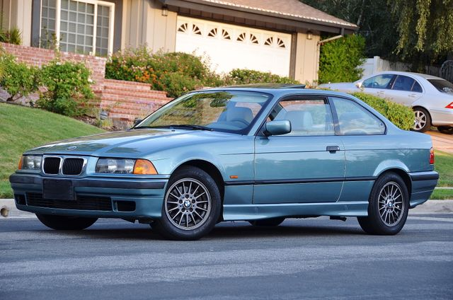 1998 BMW 323i 323isA - AUTO - ONLY 87K MILES Reseda, CA 5