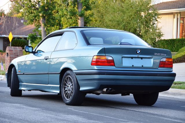1998 BMW 323i 323isA - AUTO - ONLY 87K MILES Reseda, CA 4