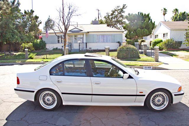 1998 BMW 528i SPORTS PKG AUTOMAIC ALLOY WHLS SUNROOF SERVICE RECORDS! Woodland Hills, CA 2