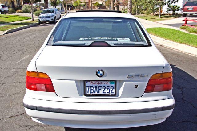 1998 BMW 528i SPORTS PKG AUTOMAIC ALLOY WHLS SUNROOF SERVICE RECORDS! Woodland Hills, CA 4