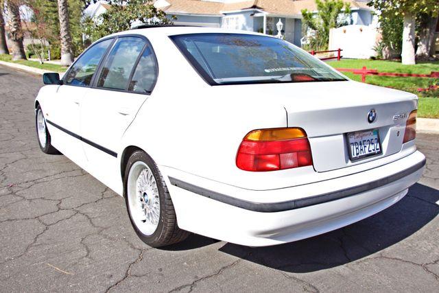 1998 BMW 528i SPORTS PKG AUTOMAIC ALLOY WHLS SUNROOF SERVICE RECORDS! Woodland Hills, CA 3
