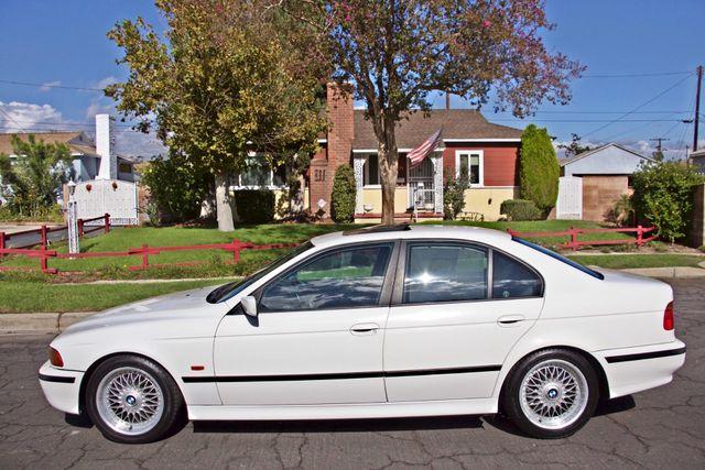 1998 BMW 528i SPORTS PKG AUTOMAIC ALLOY WHLS SUNROOF SERVICE RECORDS! Woodland Hills, CA 1