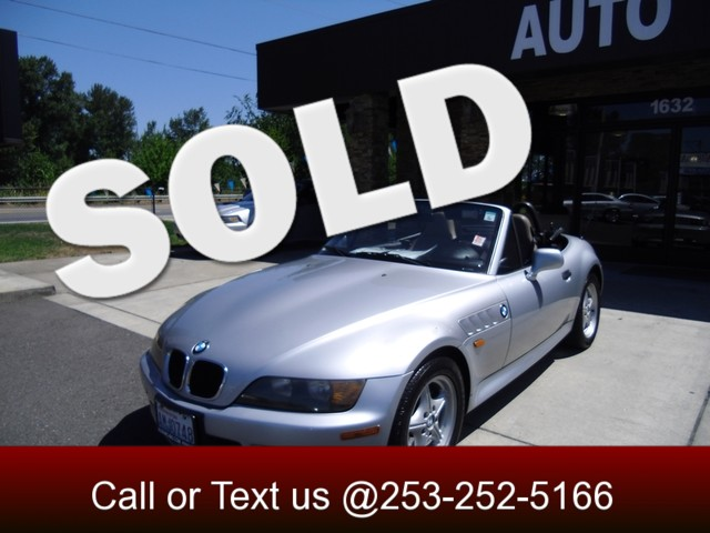 1998 BMW Z3 19L Come buy that sports car you always wanted This Z3 convertible is ready for summ