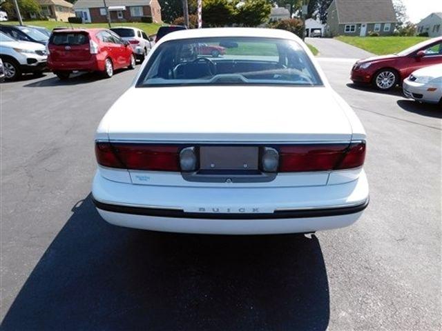 1998 Buick LeSabre Custom Ephrata, PA 4
