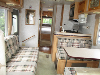 1998 Damon Daybreak 2740  city Florida  RV World of Hudson Inc  in Hudson, Florida