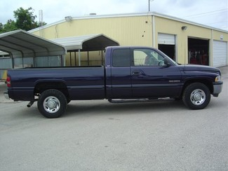 1998 Dodge Ram 2500 Quad Cab 8-ft. Bed 2WD San Antonio, Texas 4