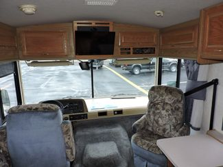 1998 Fleetwood Bounder 32H Bend, Oregon 6
