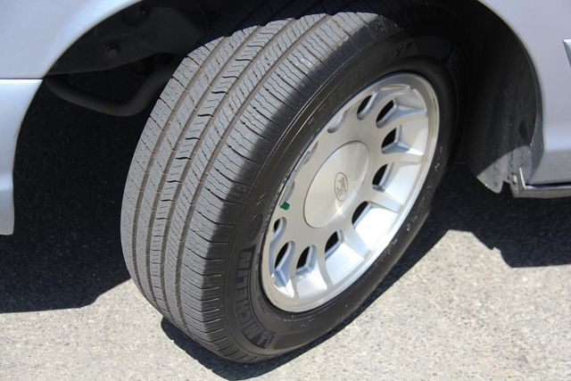 1998 Ford Crown Victoria LX Santa Clarita, CA 23