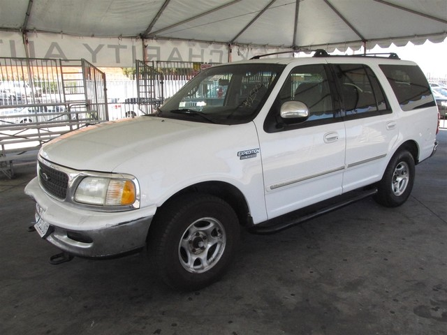 1998 Ford Expedition XLT This particular vehicle has a SALVAGE title Please call or email to chec