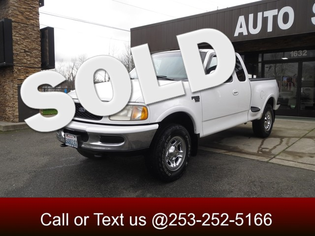 1998 Ford F-150 XLT 4WD Once again the 1998 Ford F-150 topped the US truck market in sales The