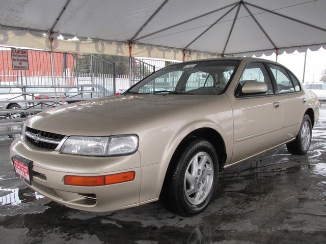 1998 Nissan Maxima GLE This particular Vehicles true mileage is unknown TMU Please call or e-ma