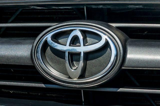 1998 Toyota 4Runner Limited Reseda, CA 42