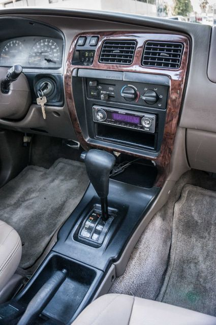 1998 Toyota 4Runner Limited Reseda, CA 19