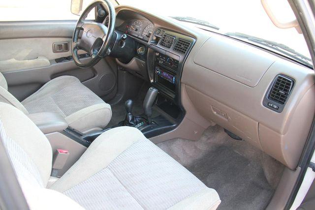 1998 Toyota 4Runner SR5 Santa Clarita, CA 9