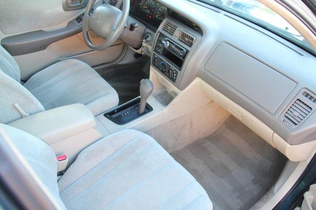 1998 Toyota Avalon XL Santa Clarita, CA 9
