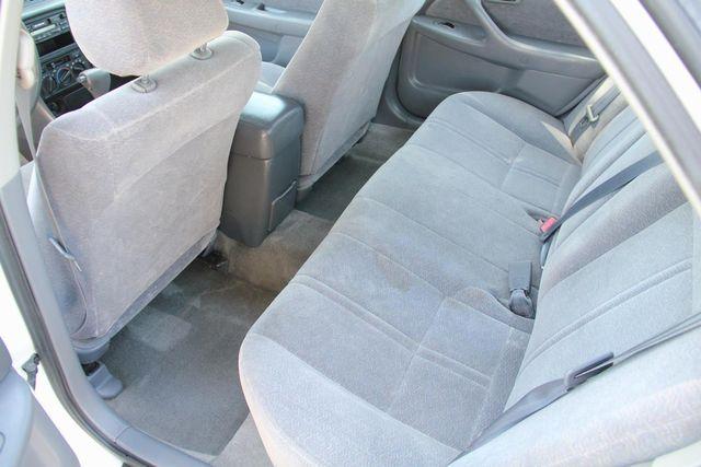1998 Toyota Camry LE Santa Clarita, CA 15