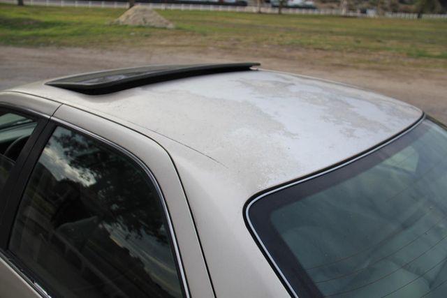 1998 Toyota Camry XLE Santa Clarita, CA 21