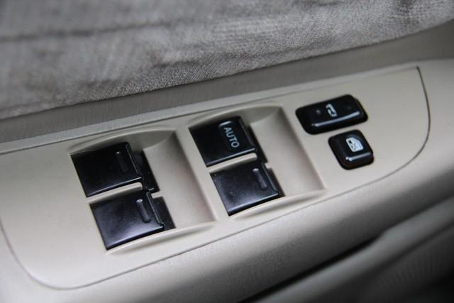 1998 Toyota Corolla LE Santa Clarita, CA 23