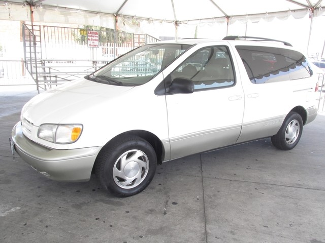 1998 Toyota Sienna XLE This particular Vehicle comes with 3rd Row Seat Please call or e-mail to c