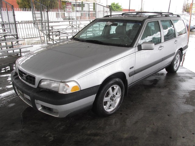 1998 Volvo V70 XC Please call or e-mail to check availability All of our vehicles are available