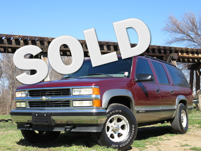 1999 Chevrolet Suburban 4X4 4X4 COLD AC THIRD ROW LEATHER SEATING Fresh to our inventory th