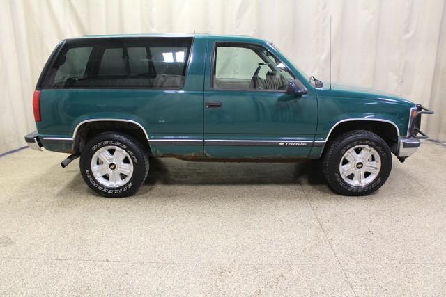 1999 Chevrolet Tahoe Roscoe, Illinois 1