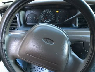 1999 Ford-3 Owner!! Buy Here!! Crown Victoria-CARMARTSOUTH.COM Base-999 DN WAC -CAC!! Knoxville, Tennessee 12