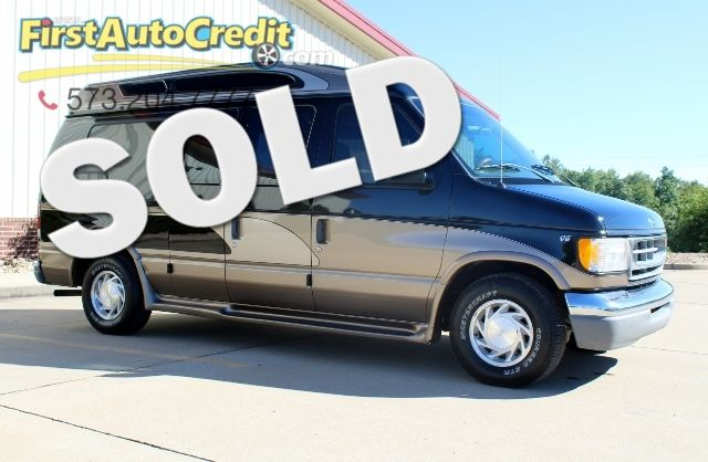 1999 Ford Econoline Van    Jackson , MO   First Auto Credit in Jackson  MO