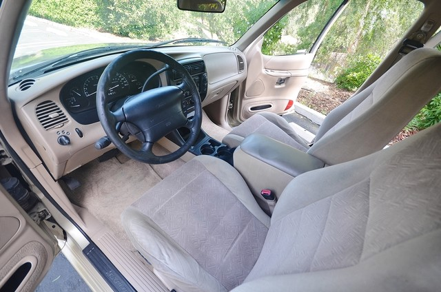1999 Ford Explorer XLT Reseda, CA 19