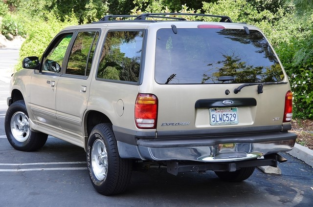 1999 Ford Explorer XLT Reseda, CA 3