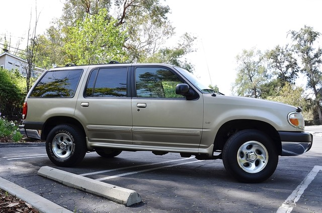 1999 Ford Explorer XLT Reseda, CA 14