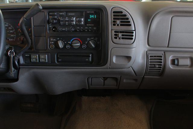1999 GMC Suburban SLT 4X4 - LEATHER BUCKETS - BARN DOORS! Mooresville , NC 8