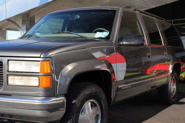 1999 GMC Suburban SLT 4X4 - LEATHER BUCKETS - BARN DOORS! Mooresville , NC 24