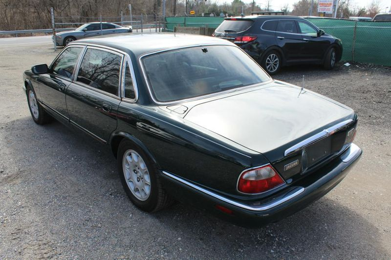 1999 Jaguar XJ L  city MD  South County Public Auto Auction  in Harwood, MD