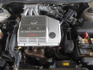 1999 Lexus ES 300 Luxury Sport Sdn Gardena, California 14