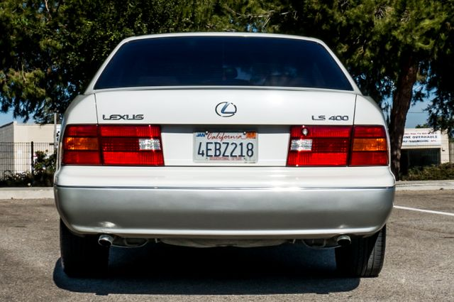 1999 Lexus LS 400 Luxury Sdn Reseda, CA 8