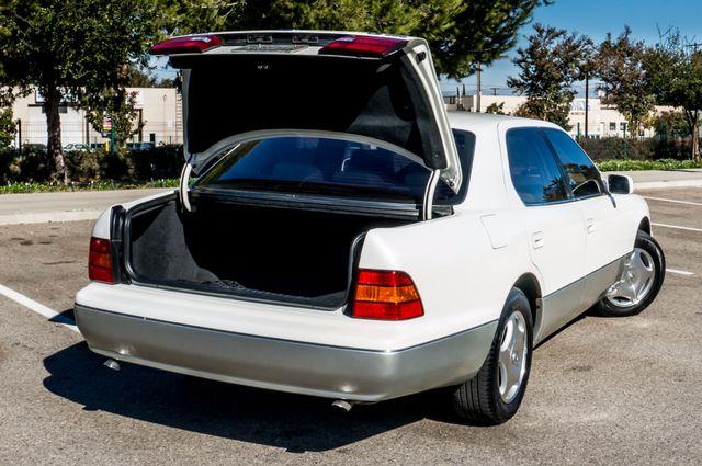 1999 Lexus LS 400 Luxury Sdn Reseda, CA 11