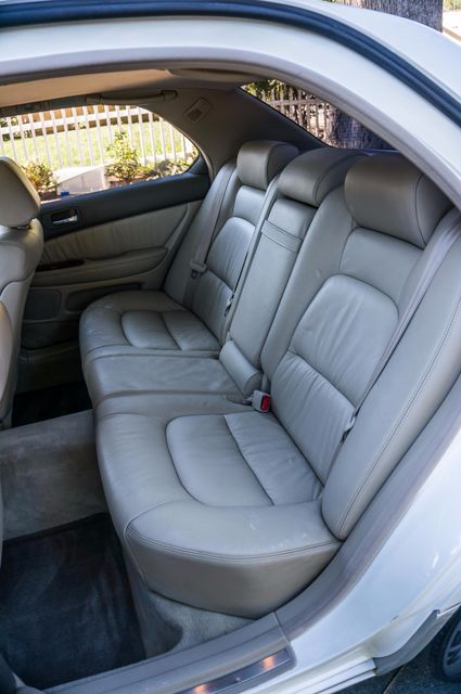 1999 Lexus LS 400 Luxury Sdn Reseda, CA 26